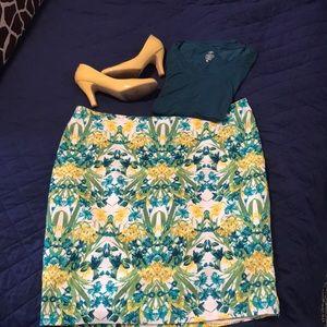 Roz & ALI back zip pencil skirt, 18 woman. NWOT.